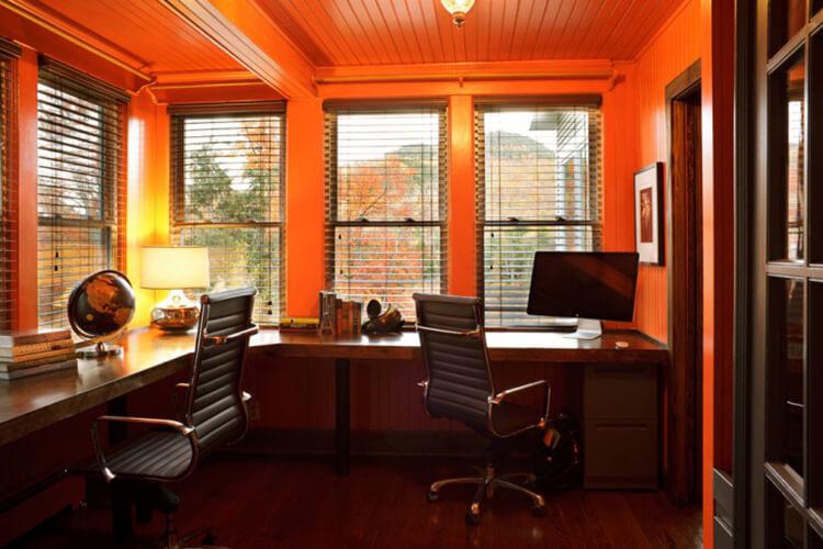 phòng làm việc màu vàng cam