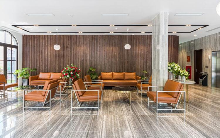 nội thất sảnh chính khách sạn hiện đại