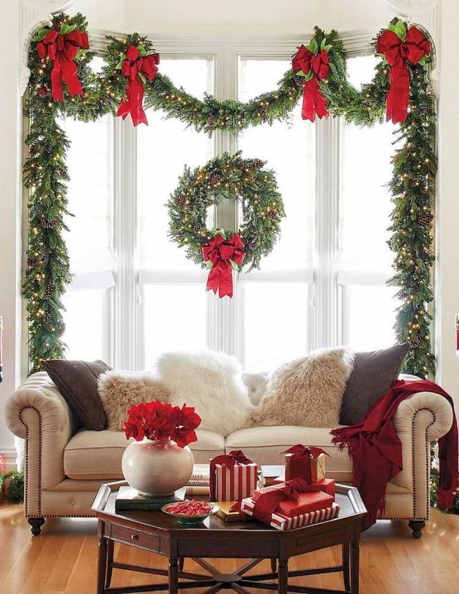 Các ý tưởng hay ho decor cửa sổ mừng Giáng sinh - Acc Home (1)