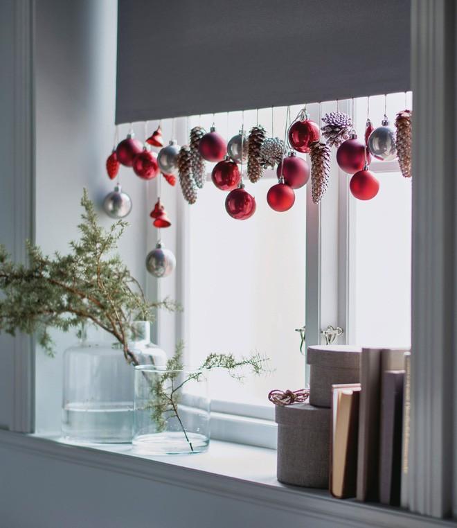 Các ý tưởng hay ho decor cửa sổ mừng Giáng sinh - Acc Home (6)