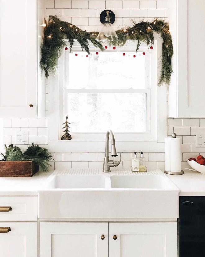 Các ý tưởng hay ho decor cửa sổ mừng Giáng sinh - Acc Home (8)