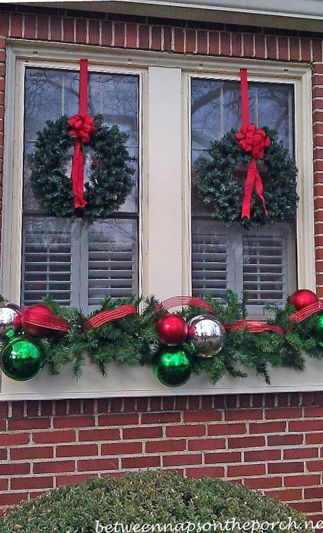 Các ý tưởng hay ho decor cửa sổ mừng Giáng sinh - Acc Home (15)