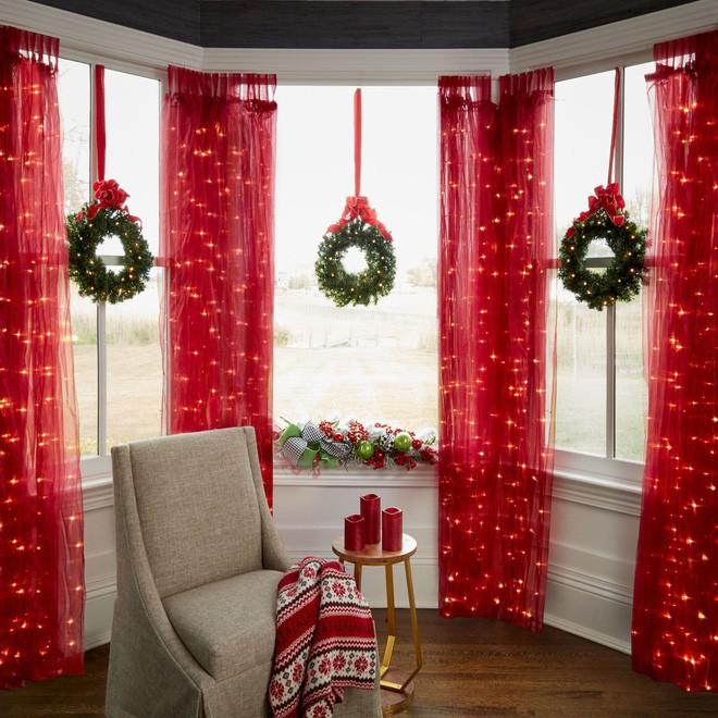 Các ý tưởng hay ho decor cửa sổ mừng Giáng sinh - Acc Home (16)